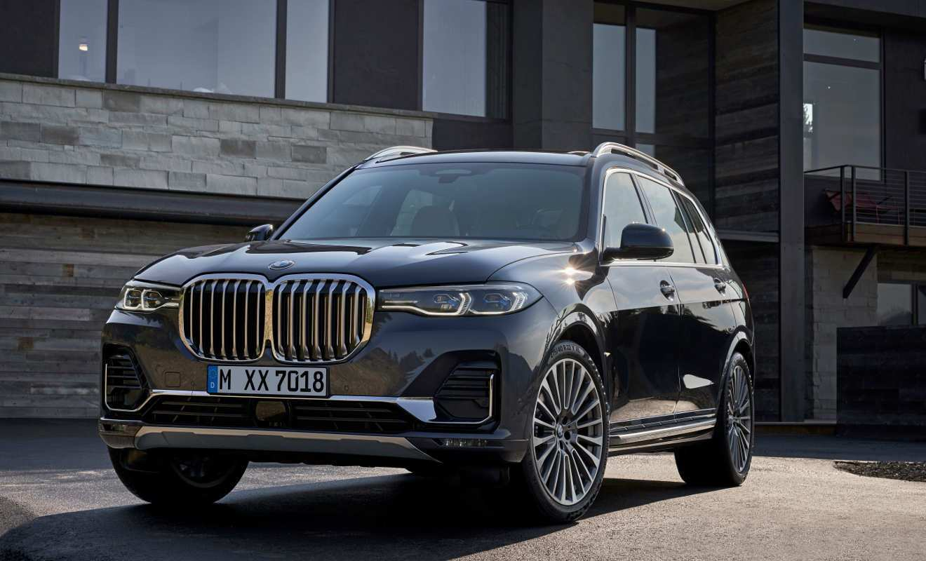 24 A 2020 BMW X7 Suv Pictures