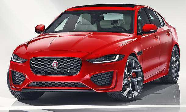 24 A Jaguar Xe 2019 Engine