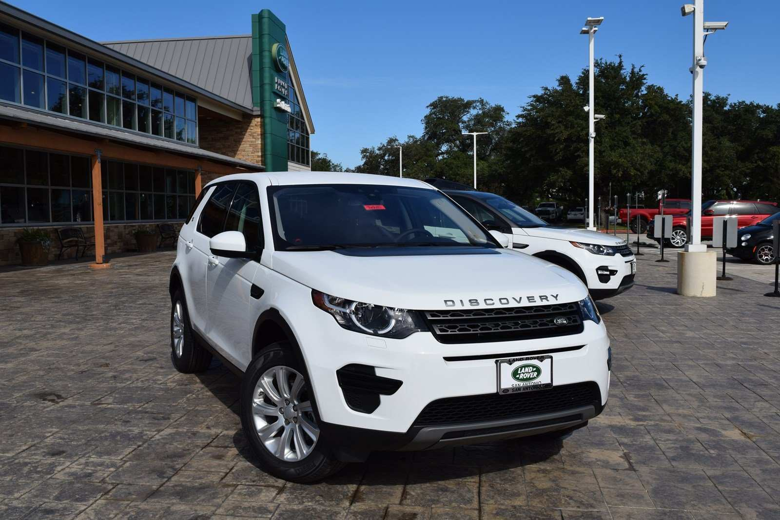 24 All New 2019 Land Rover Discovery Sport Exterior