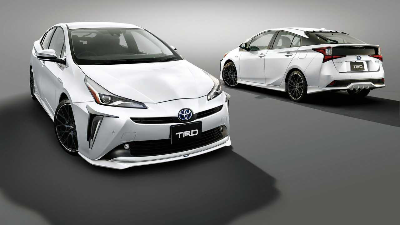 24 New 2019 Toyota PriusPictures Research New