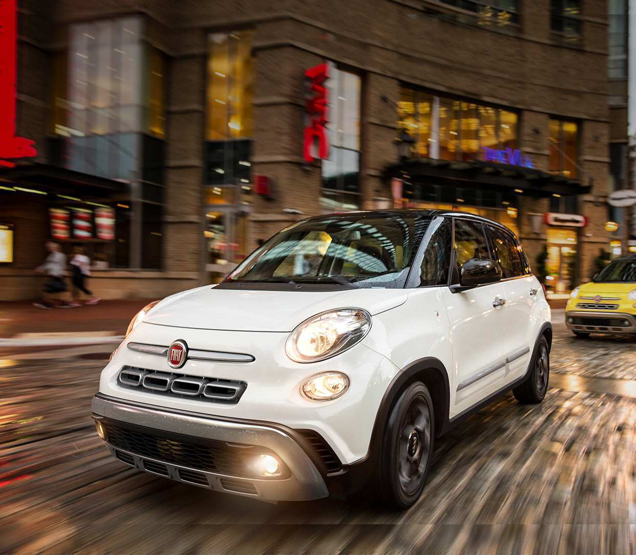 24 The 2019 Fiat 500L Images