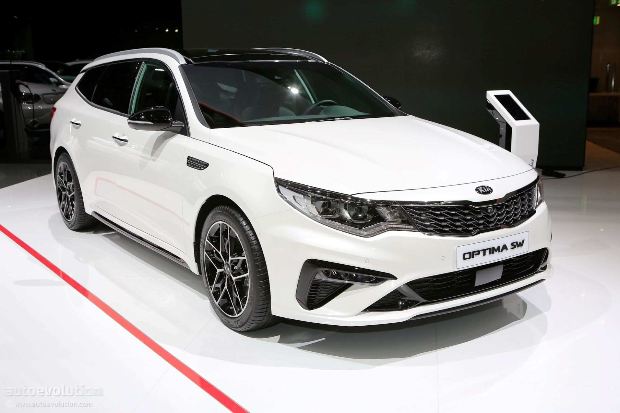 24 The 2020 Kia Optima Performance