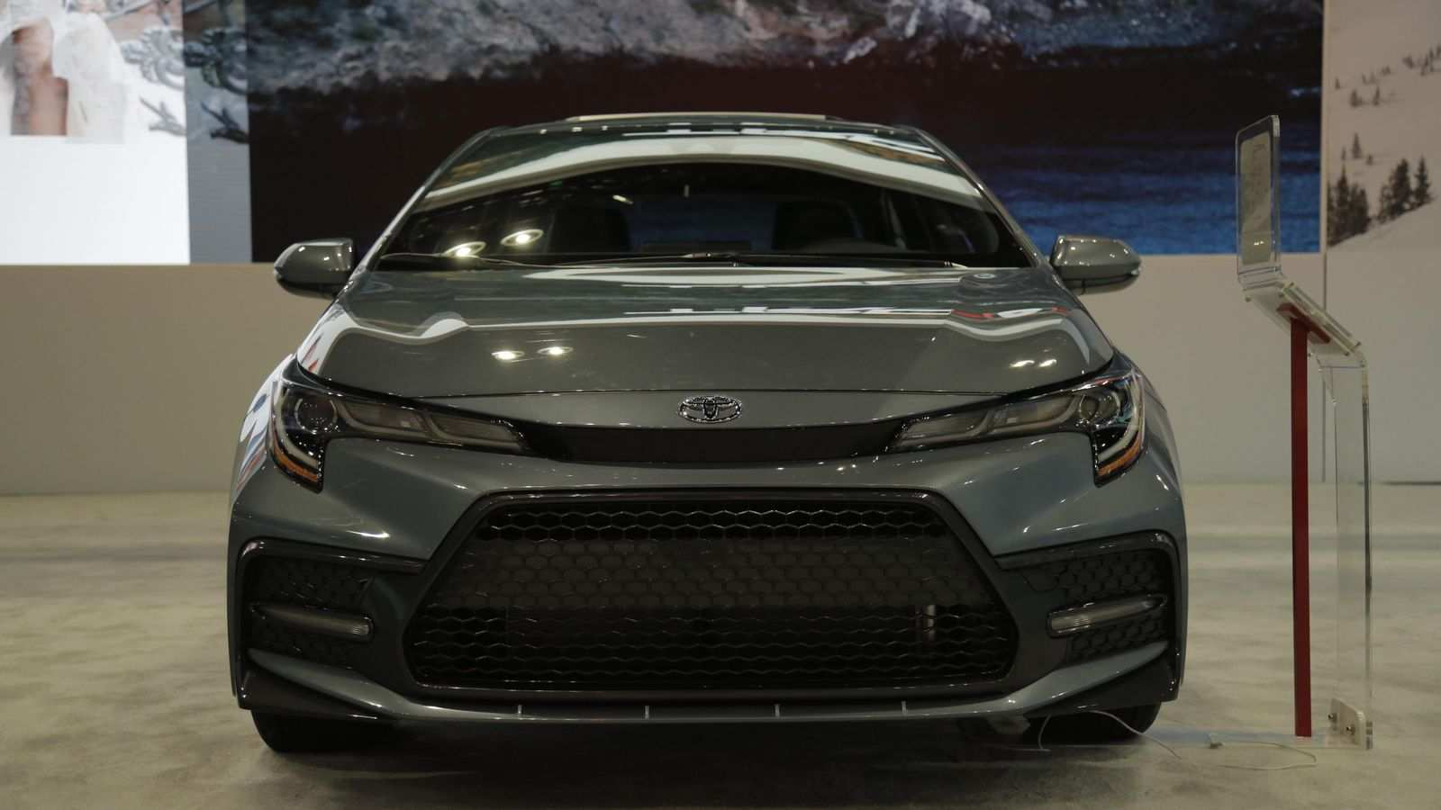 24 The 2020 Toyota Corolla Pictures