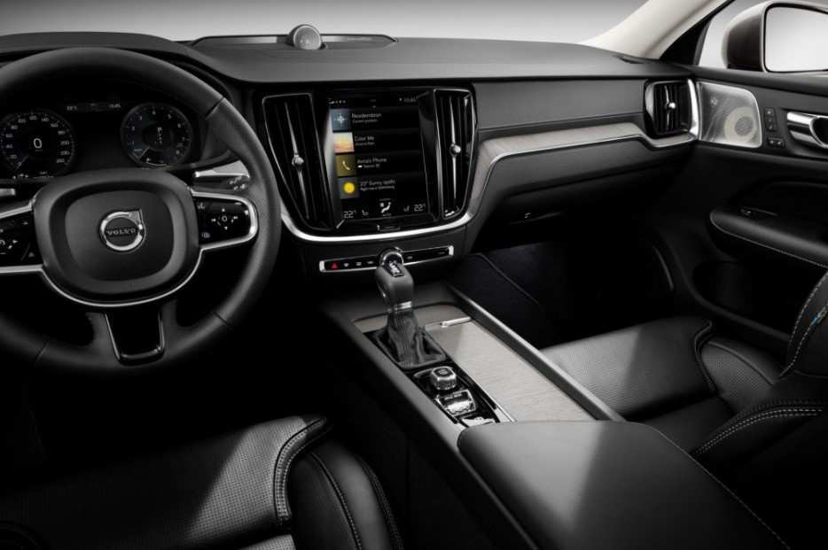 24 The 2020 Volvo S60 Review
