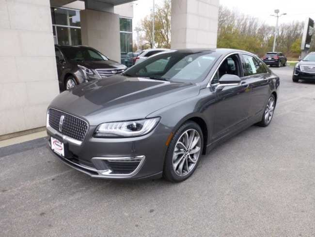 25 A 2019 Lincoln MKZ Hybrid Pictures