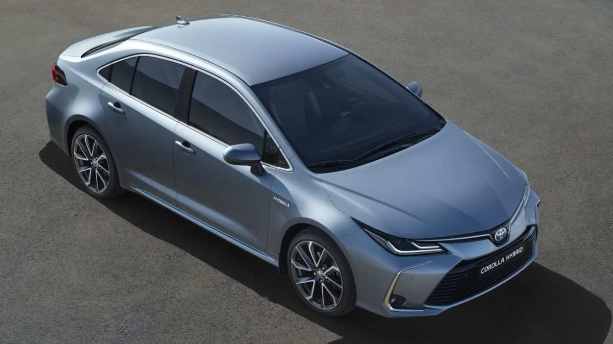 25 A 2019 Toyota Altis Model