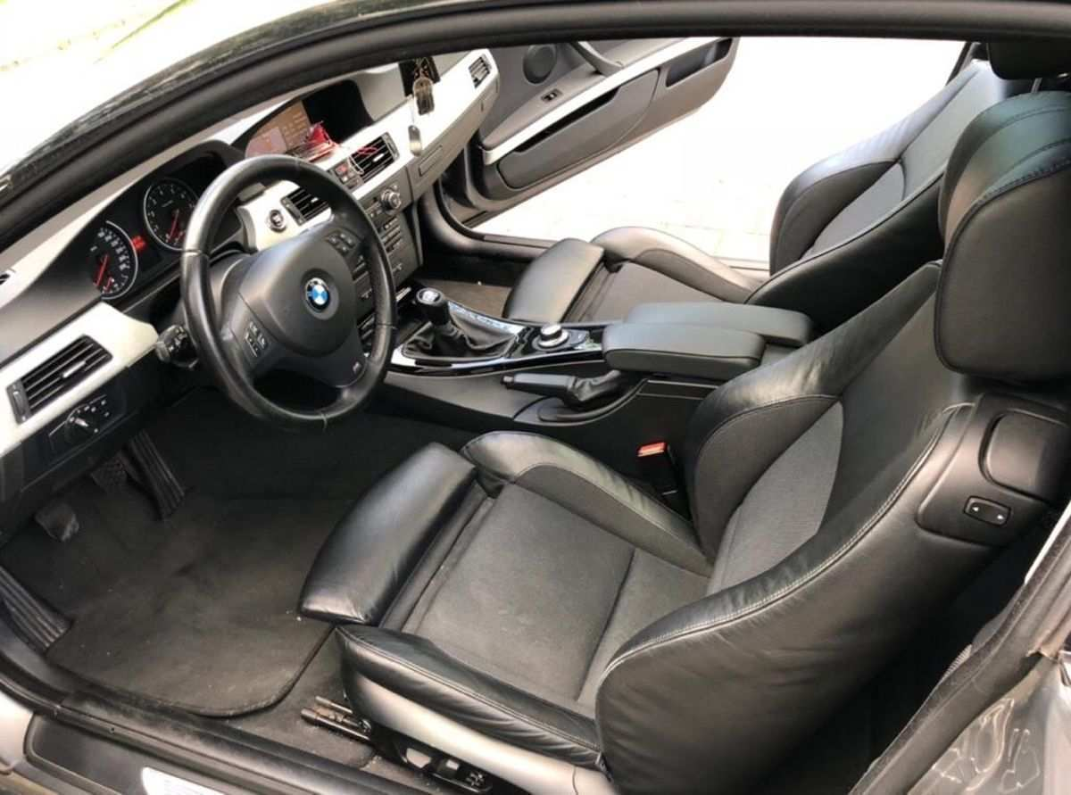 25 A 2020 BMW 335i Spesification