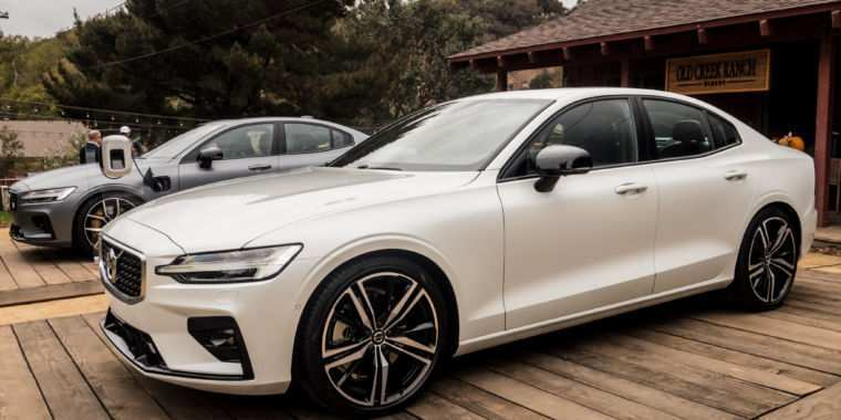 25 A S60 Volvo 2019 Exterior And Interior