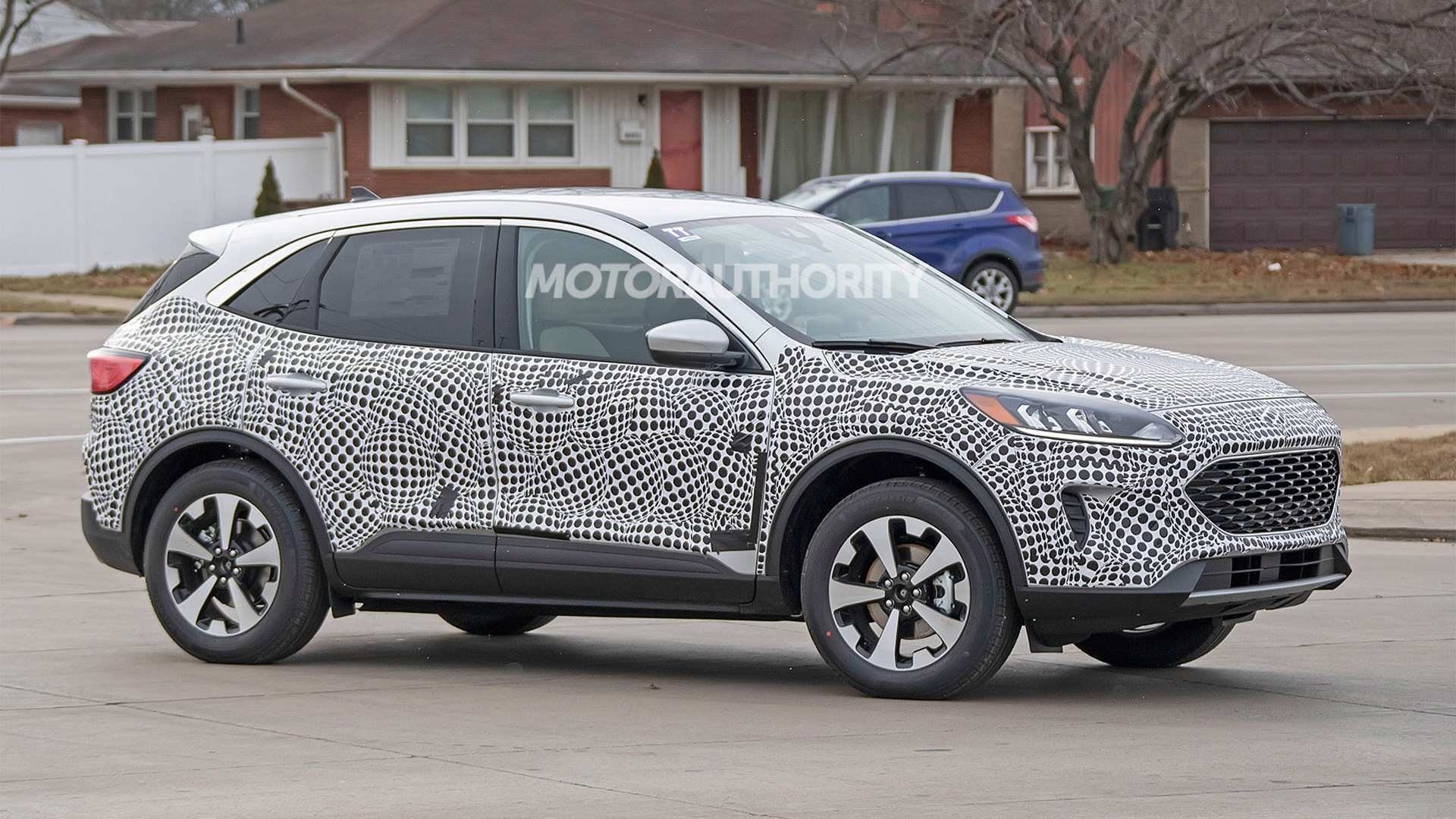 26 A Ford Kuga 2020 Spy Shots History