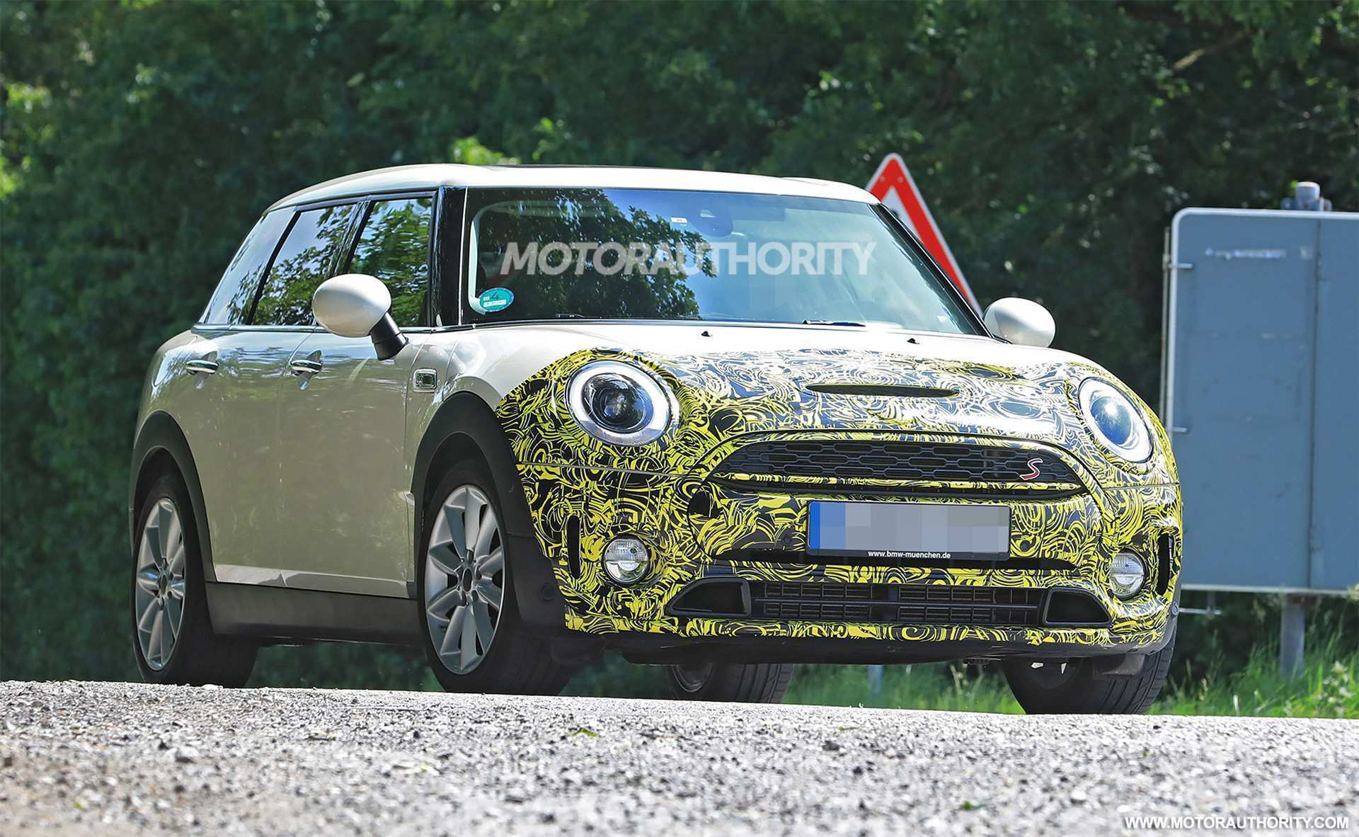 26 New Spy Shots Mini Countryman Release