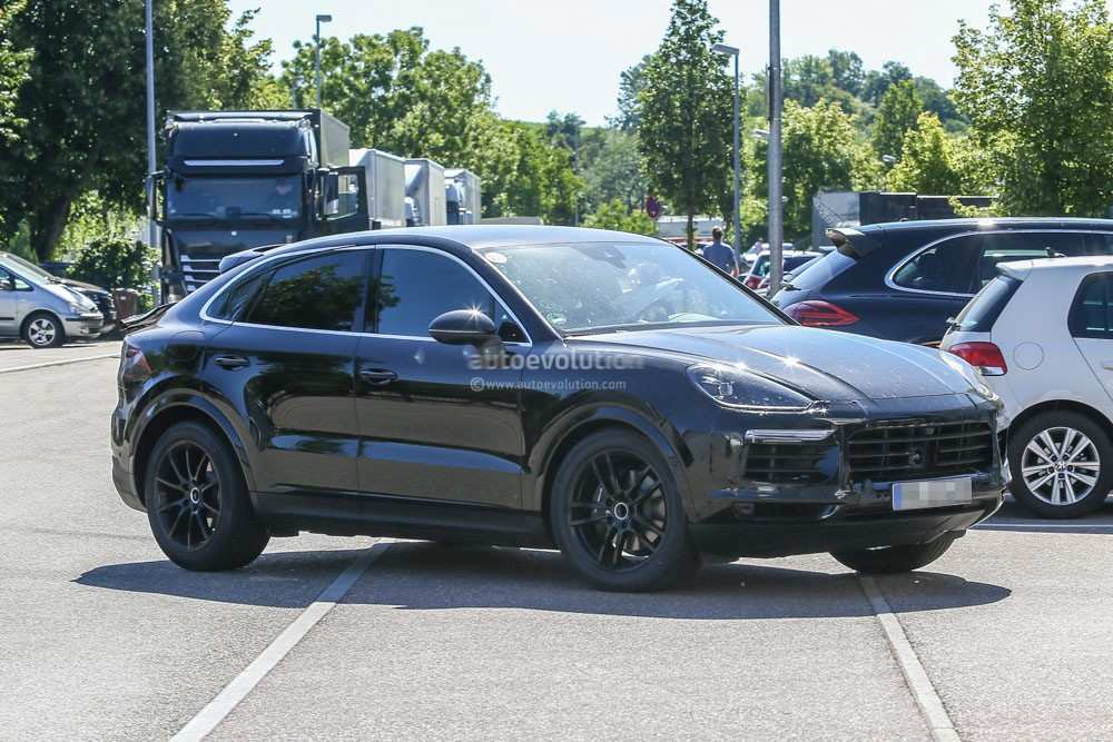 26 The 2020 Porsche Cayenne Picture