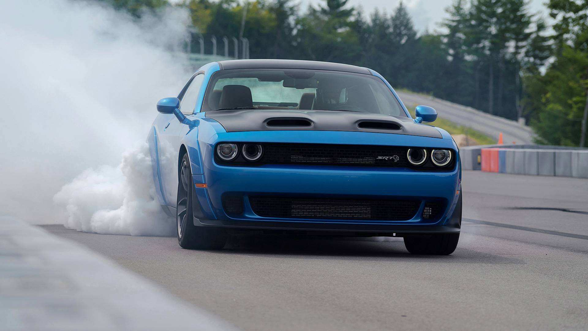 27 A 2019 Challenger Srt8 Hellcat Picture