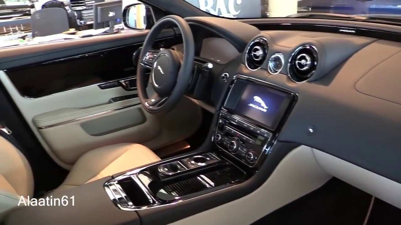 27 A Jaguar Xe 2019 Interior First Drive