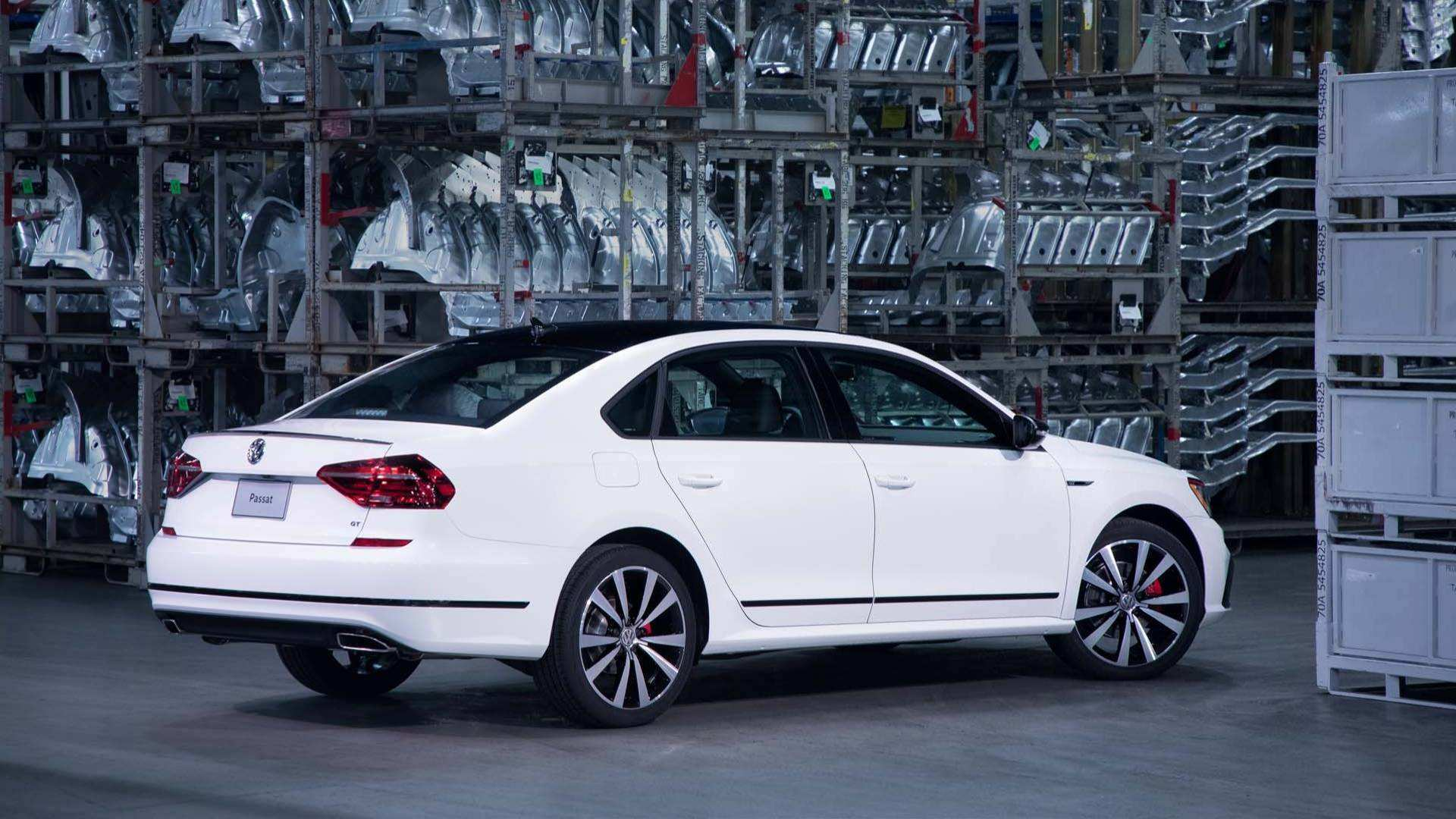 27 A Vw Passat Gt 2019 Spy Shoot