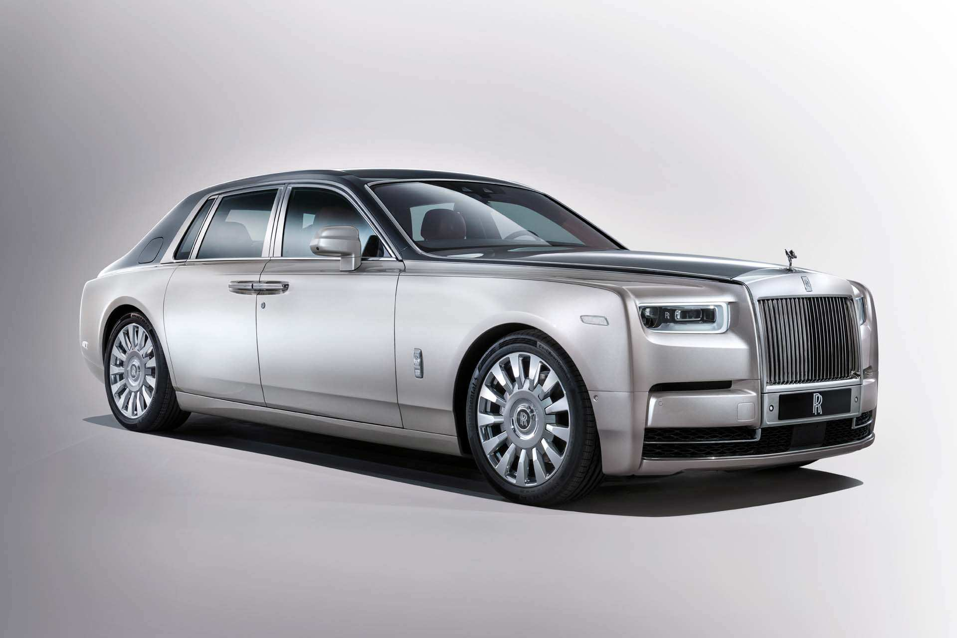 27 The 2019 Rolls Royce Phantoms Exterior