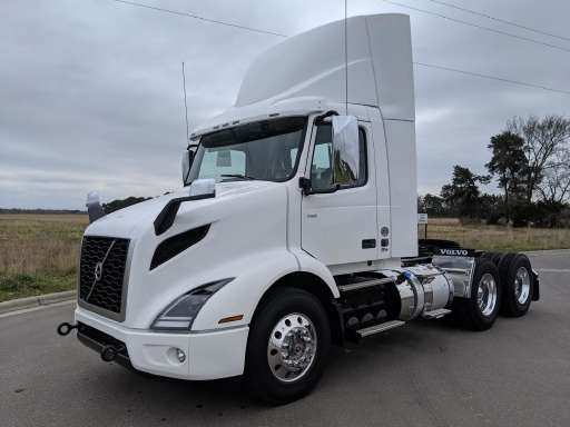 27 The 2019 Volvo 18 Wheeler Pictures