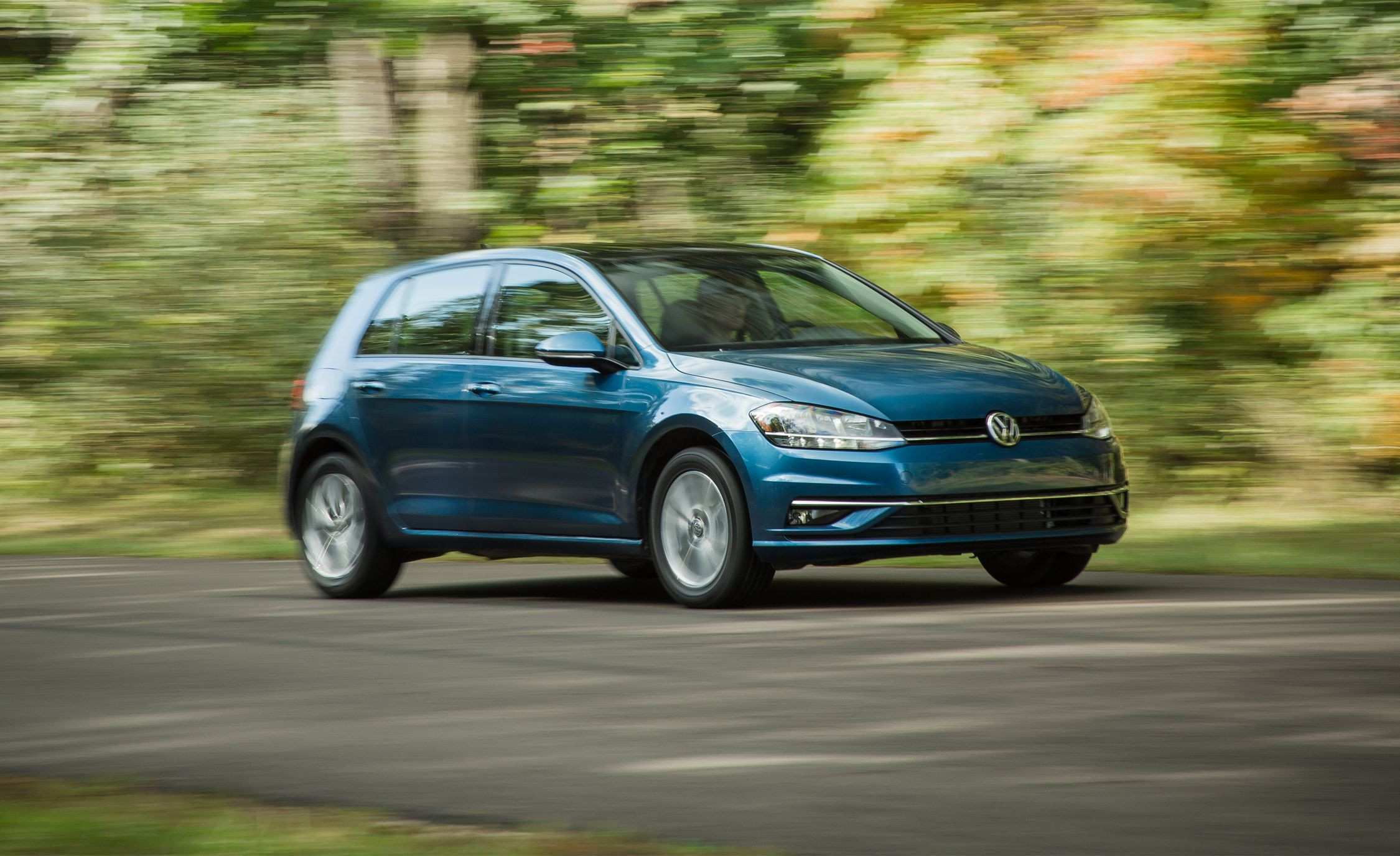 27 The 2020 VW Golf R USA Picture