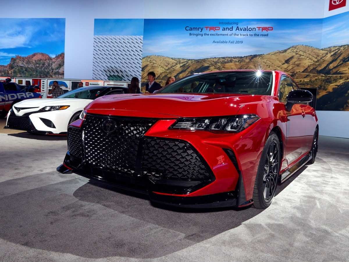 28 The 2020 Toyota Avalon Hybrid Model