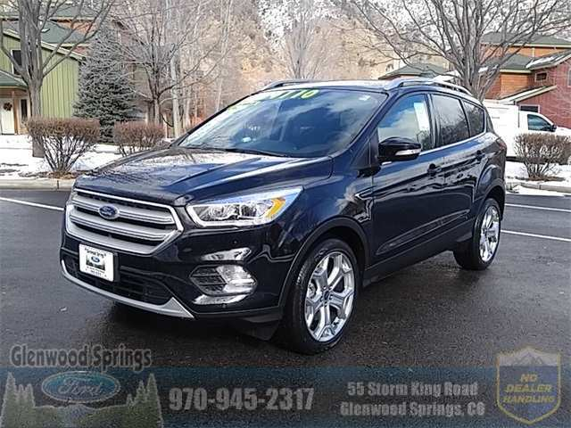 29 A 2019 Ford Escape Style