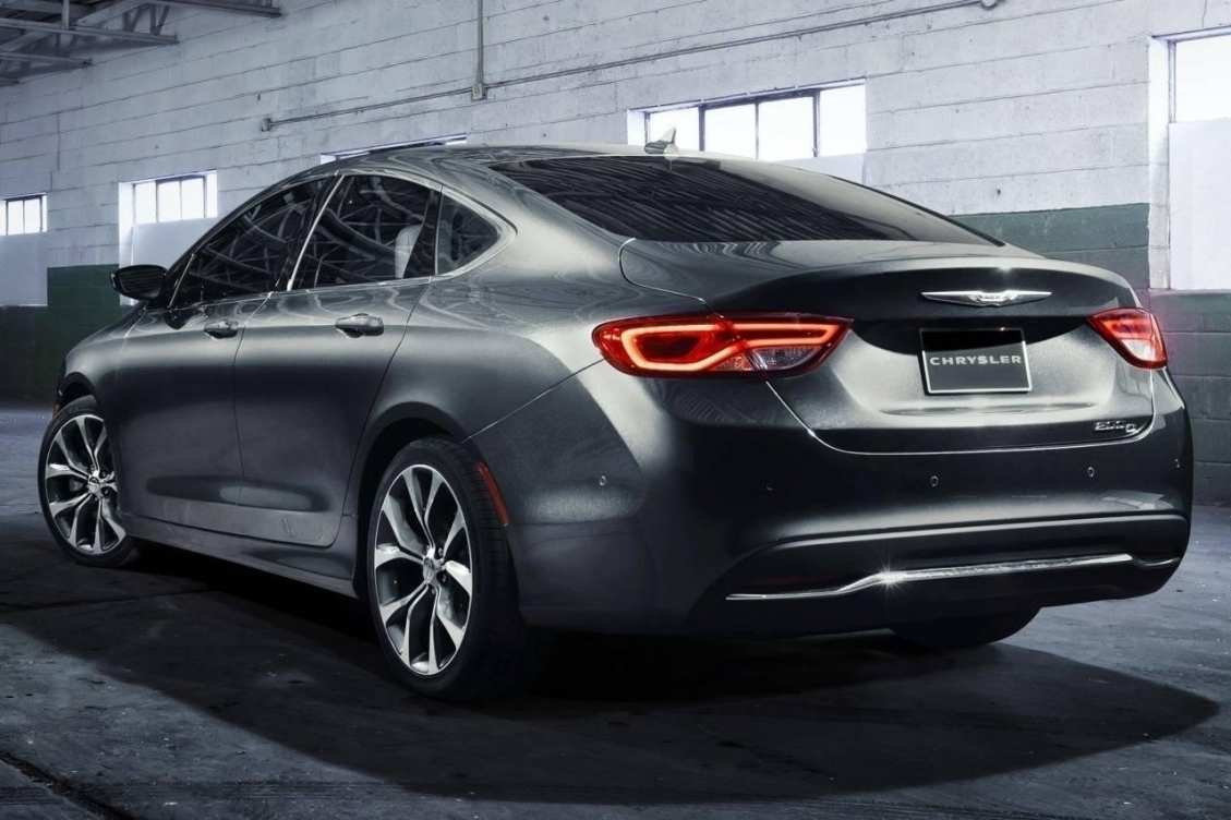 29 All New 2019 Chrysler 100 Sedan Spy Shoot