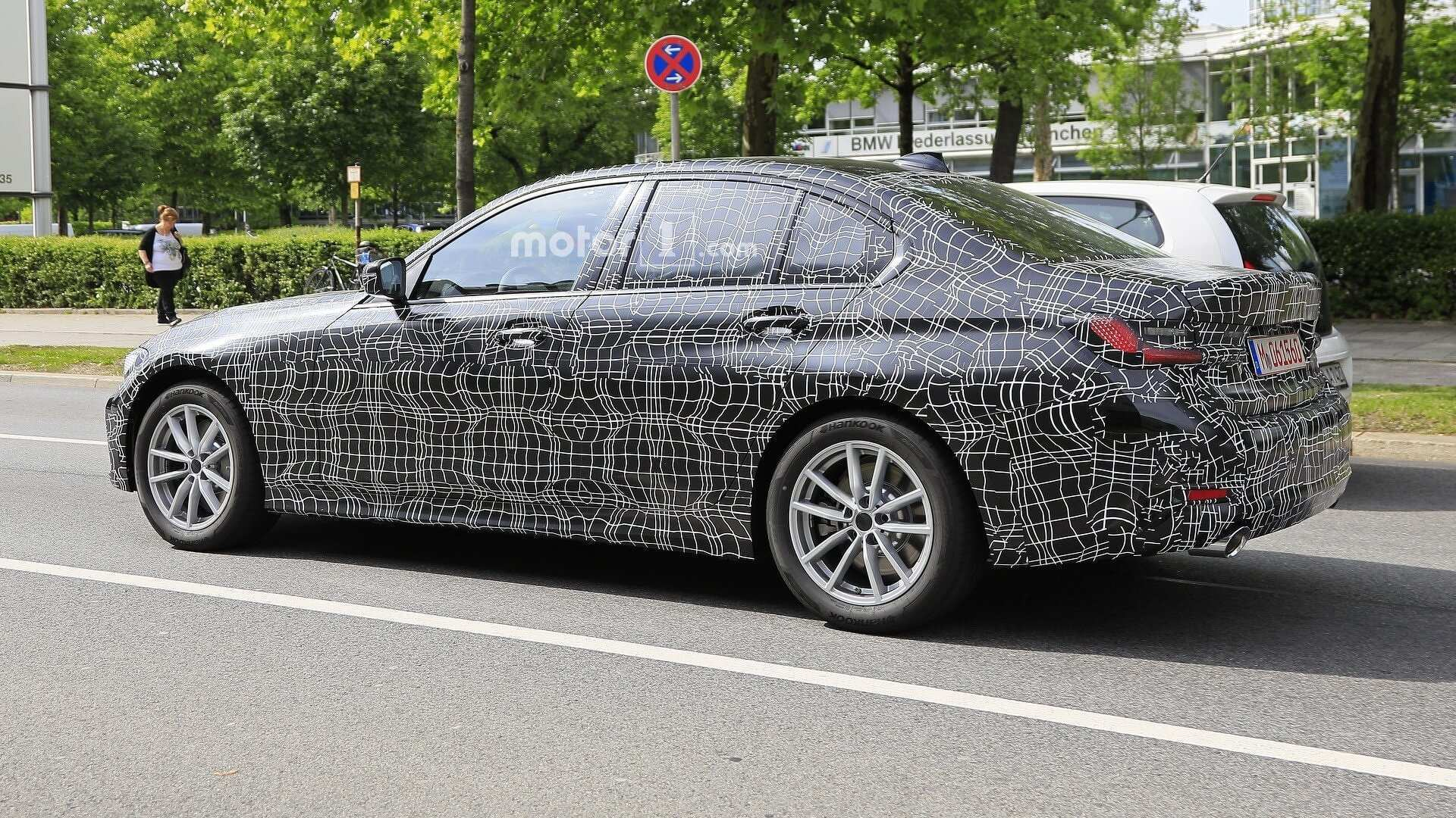 30 A 2019 Spy Shots BMW 3 Series Pricing