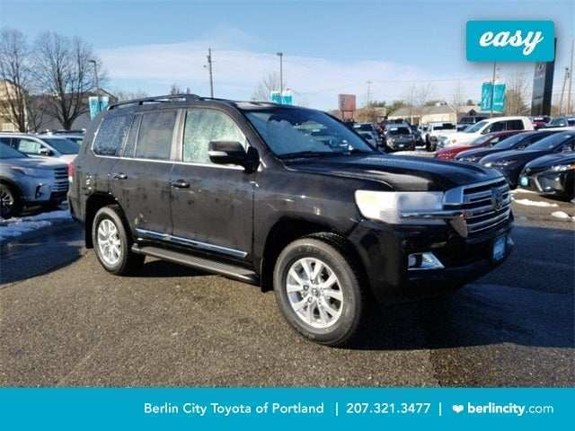 30 A 2019 Toyota Land Cruiser Picture