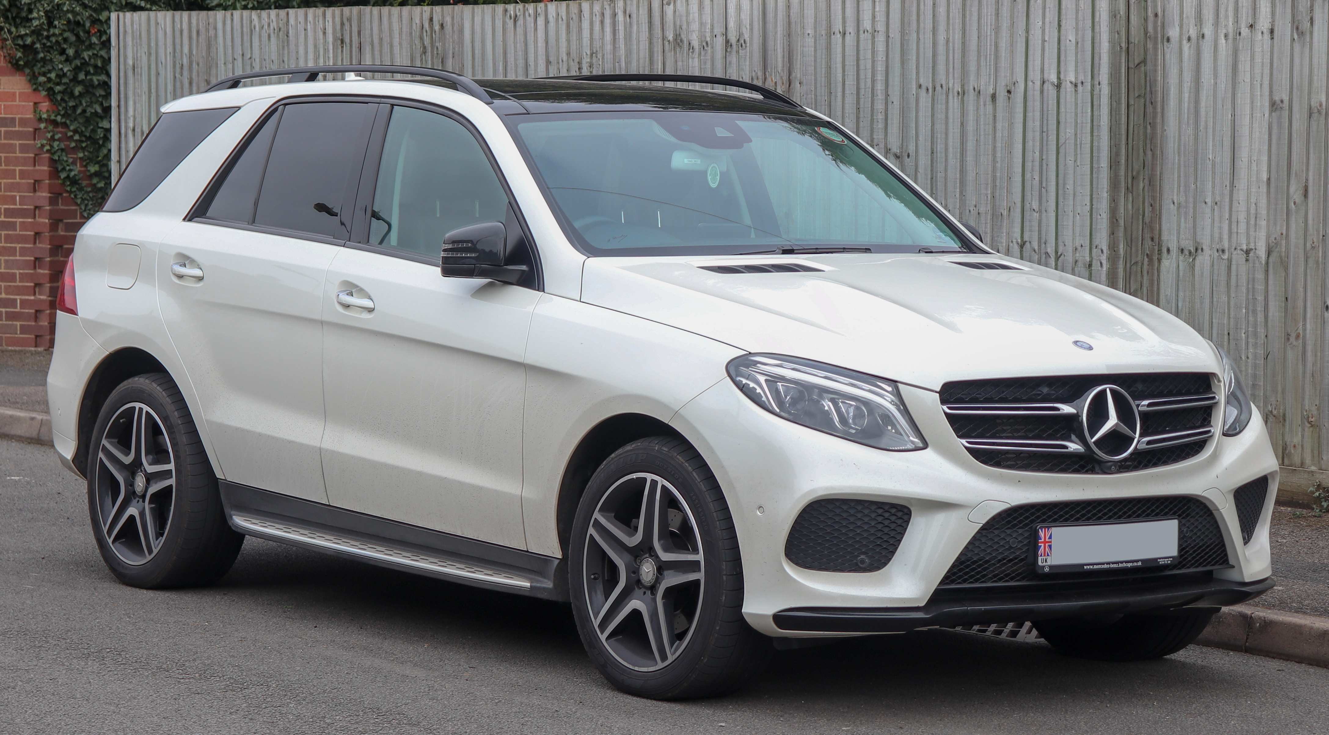 30 A Mercedes M Class 2019 Pictures