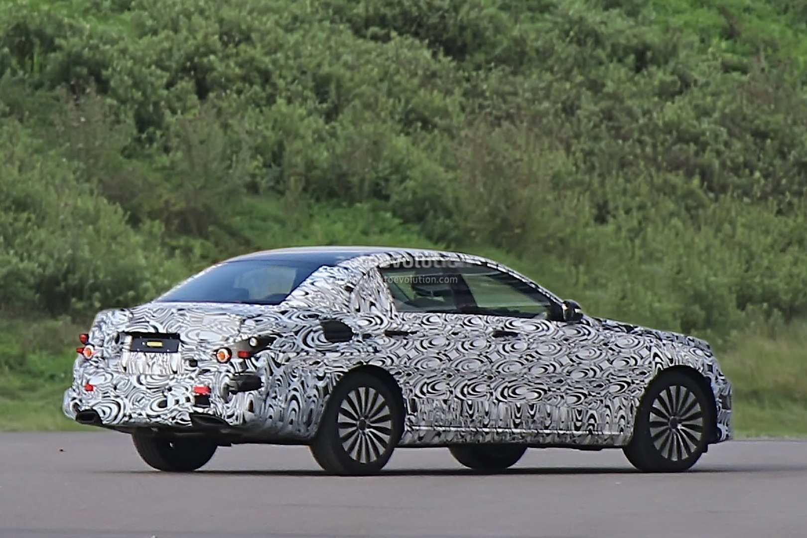 31 A Spy Shots Mercedes E Class Performance And New Engine