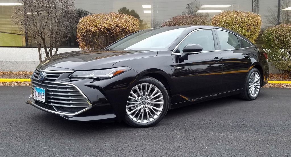 32 A 2019 Toyota Avalon Hybrid Review And Release Date