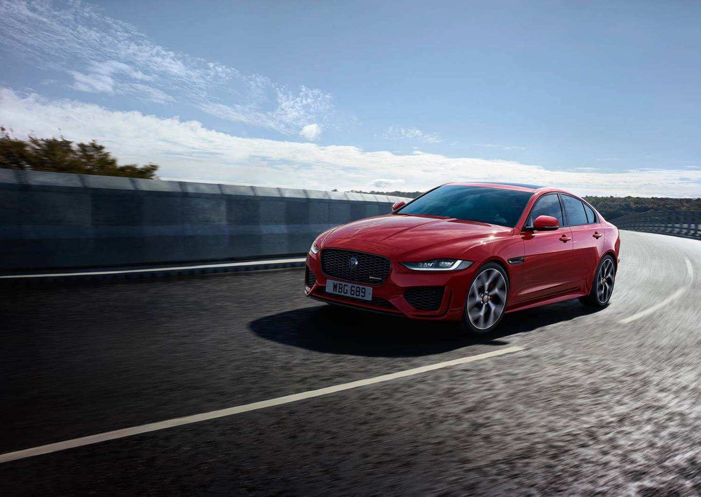32 A 2020 Jaguar Xe Sedan Price And Release Date