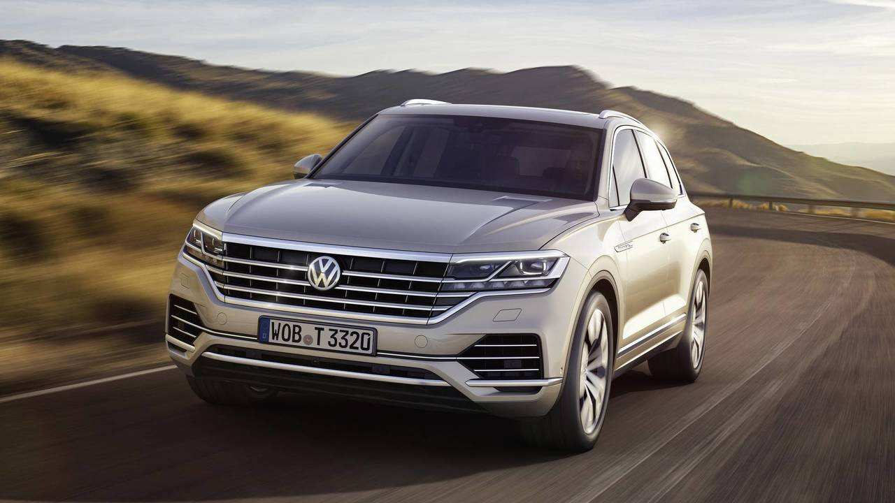 32 All New 2019 VW Touareg New Concept