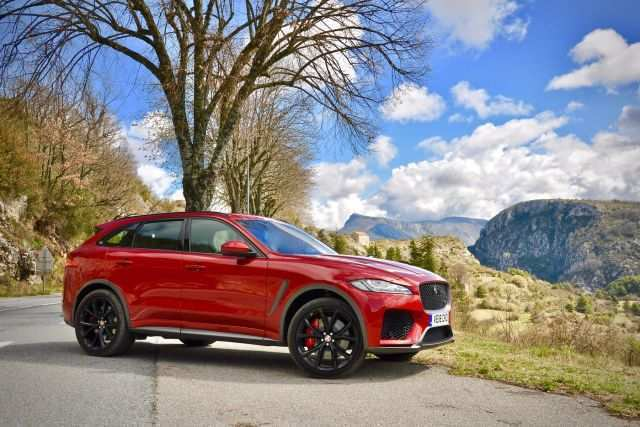 32 New Jaguar F Pace Svr 2020 Spy Shoot
