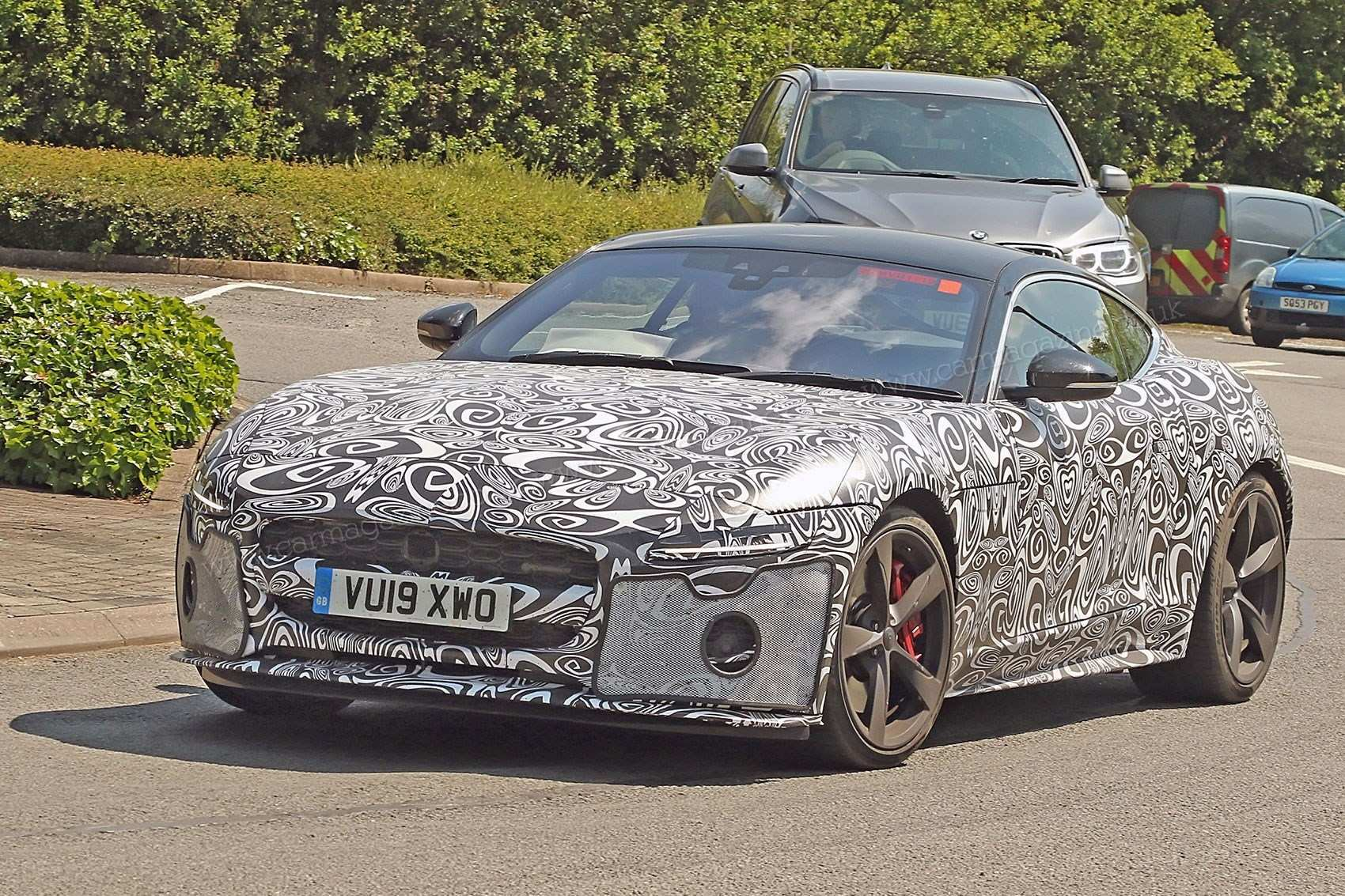 32 New Jaguar Svr 2020 Picture