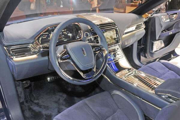 32 The 2020 The Lincoln Continental New Concept
