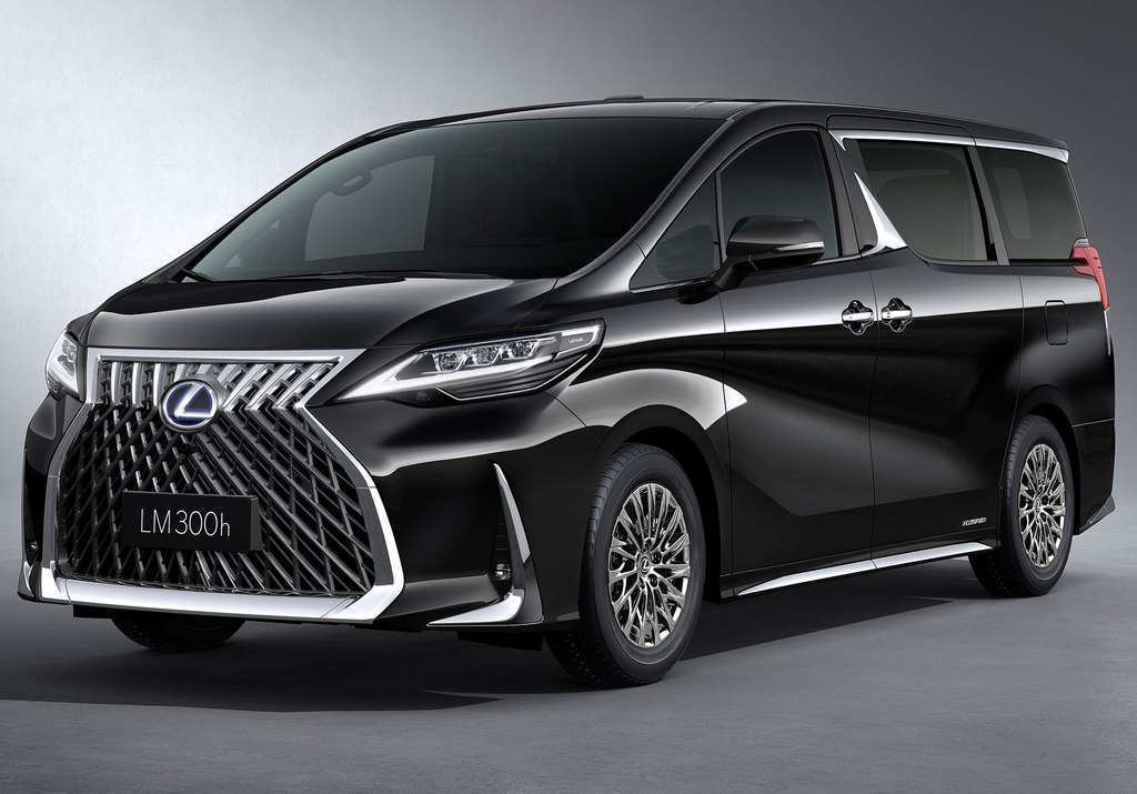 32 The 2020 Toyota Alphard Spy Shoot
