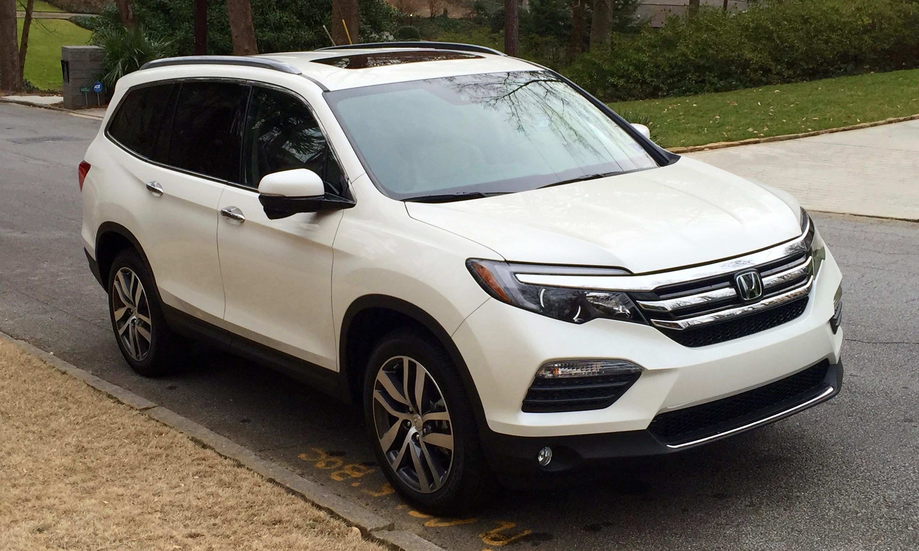 33 A 2020 Honda Pilot Spy Photos Spy Shoot