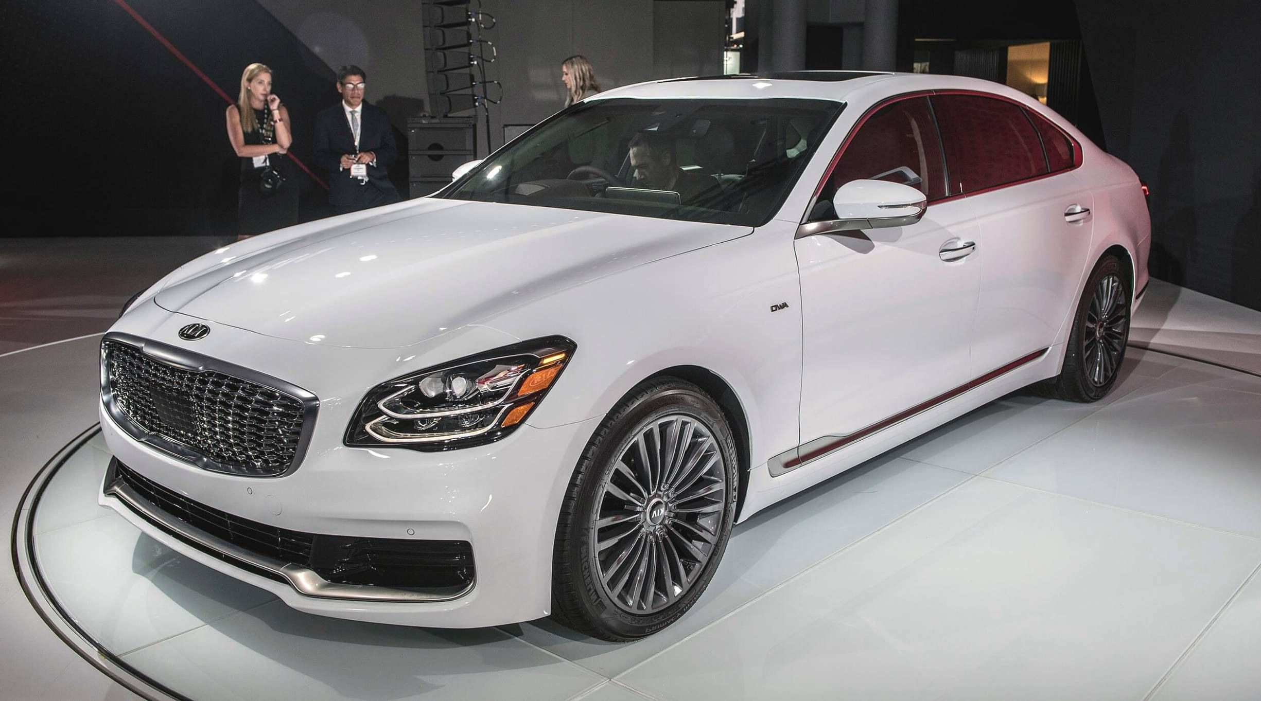 33 The 2020 Kia K900 Configurations