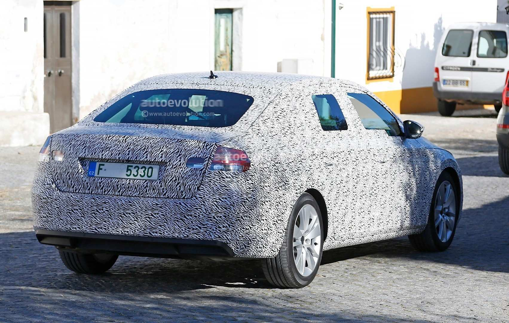 33 The Spy Shots Skoda Superb Exterior