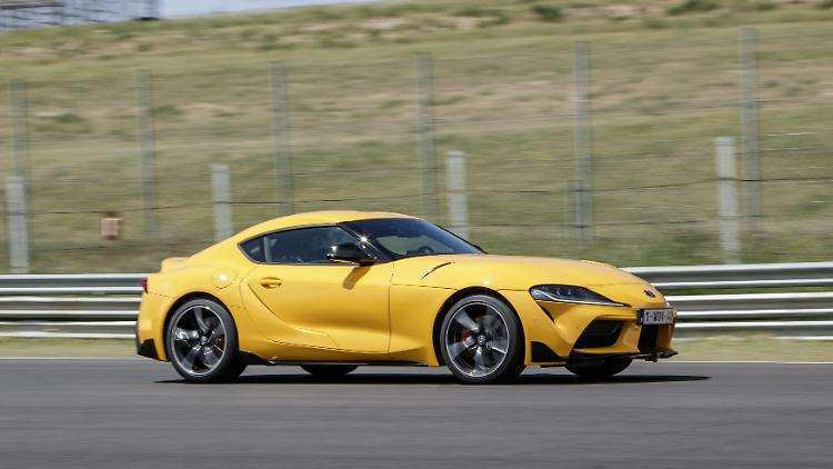 33 The Toyota Supra 2019 Images