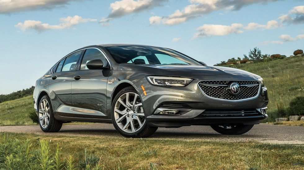 34 A 2019 Buick Regal Exterior