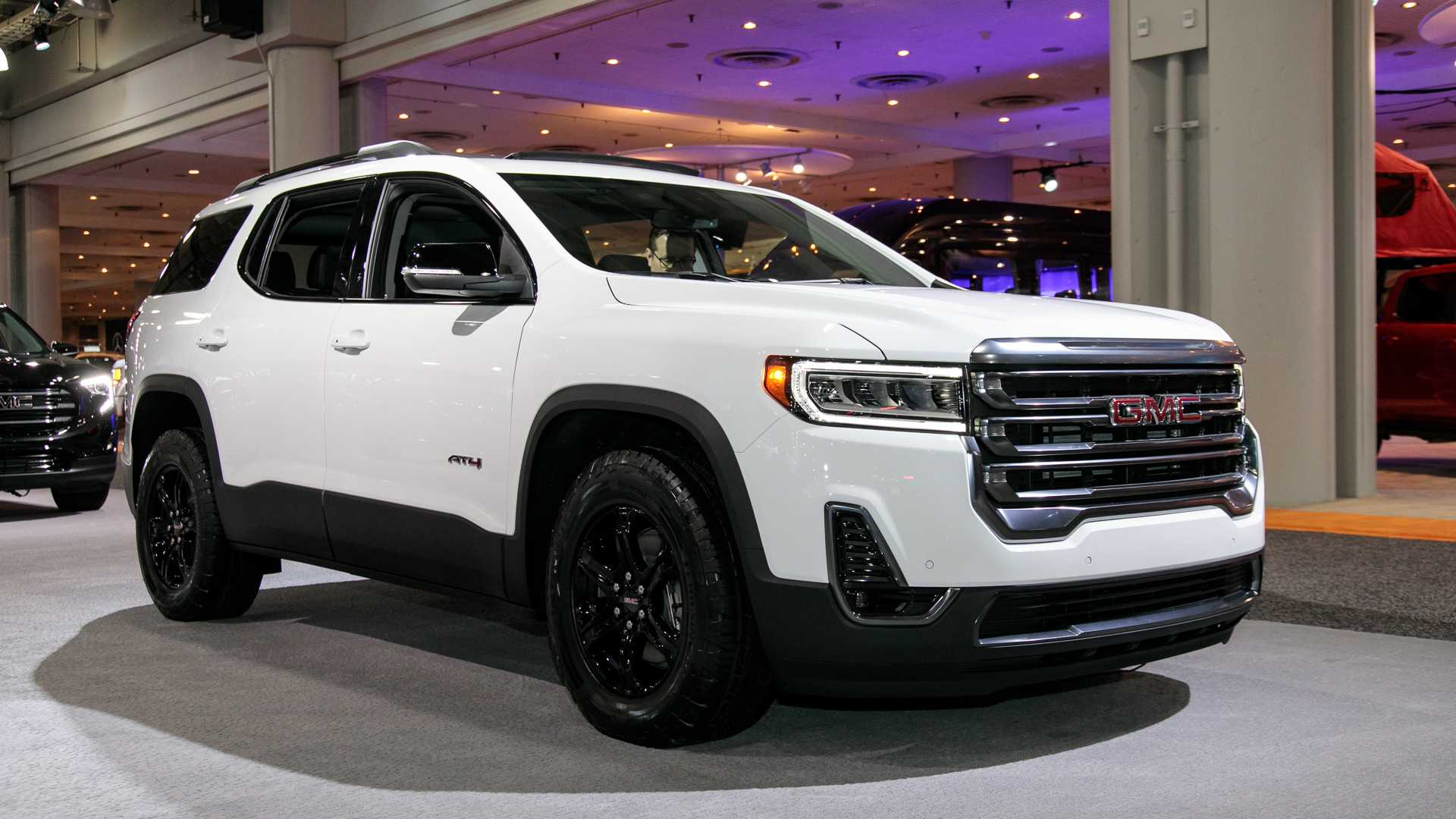 34 A 2020 Gmc Acadia Denali Photos