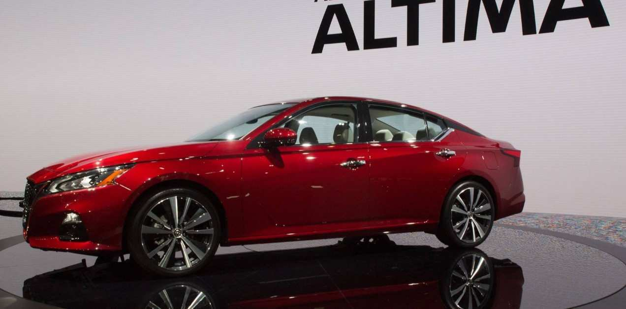 34 A 2020 Nissan Altima Coupe Picture
