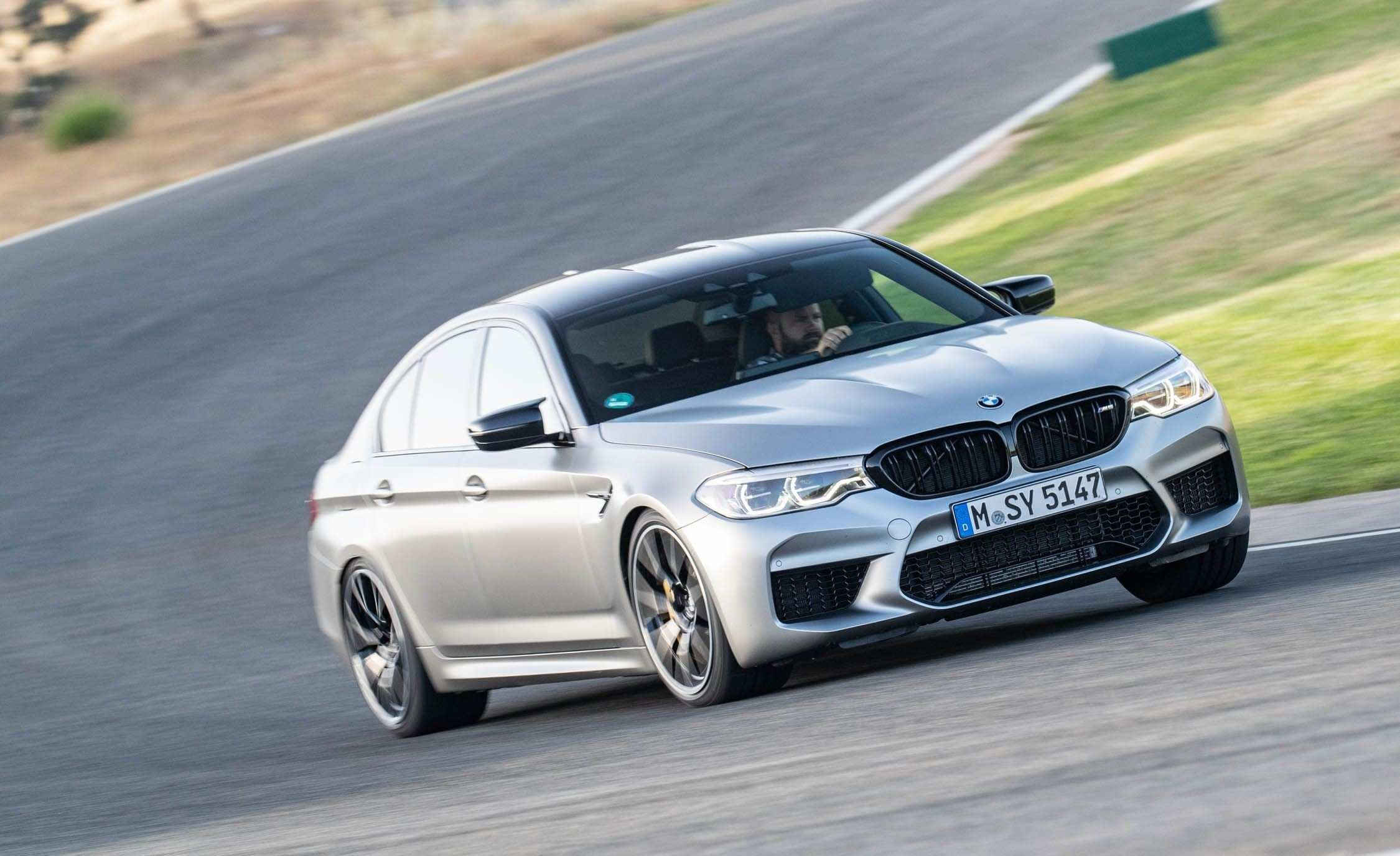 35 A 2019 BMW M5 Get New Engine System Configurations