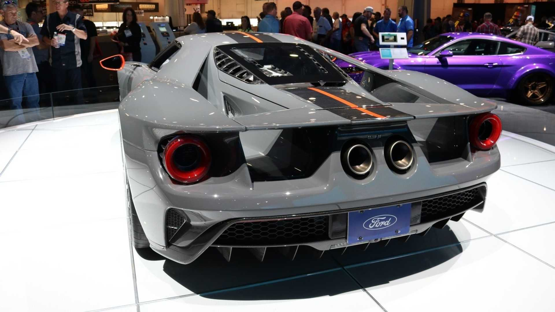 35 A 2019 Ford GT40 Engine