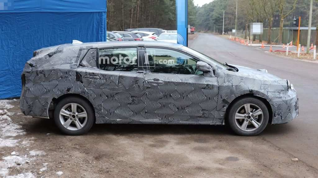 35 New 2020 New Toyota Avensis Spy Shots Performance