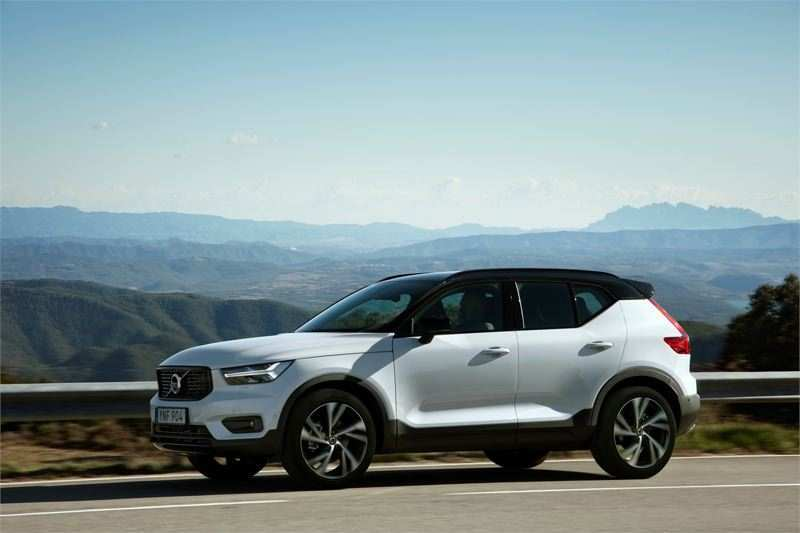 36 A 2019 Volvo Xc40 T5 R Design First Drive