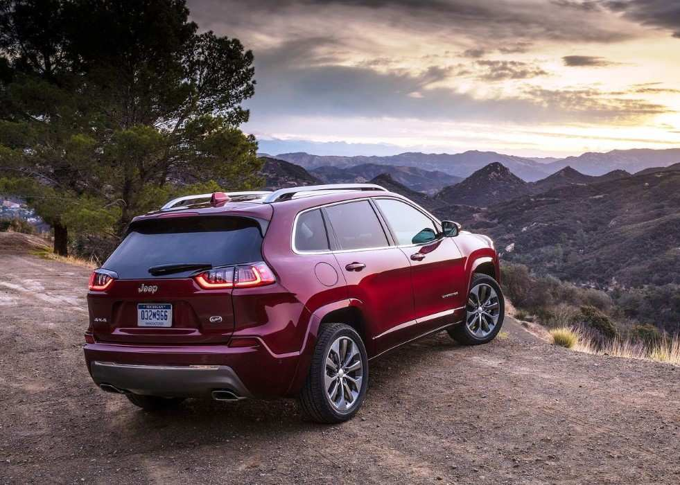 36 A 2020 Grand Cherokee Srt Hellcat Performance