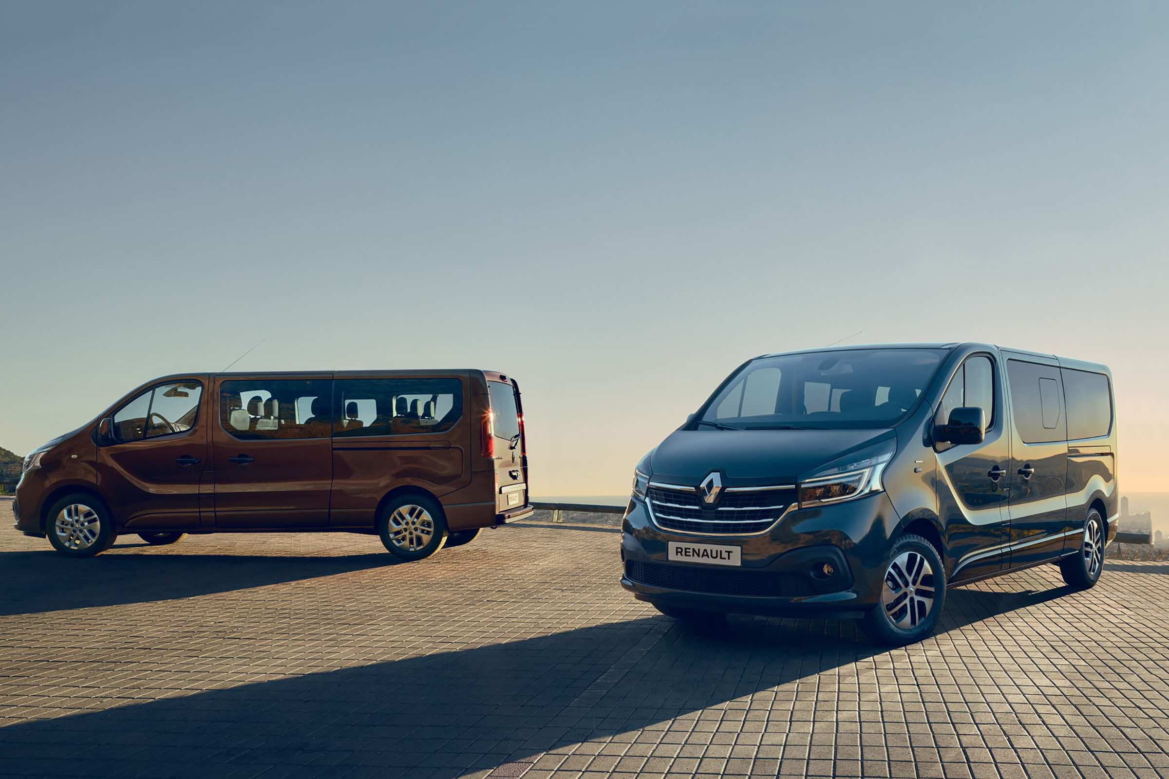 36 The 2020 Renault Trafic Images