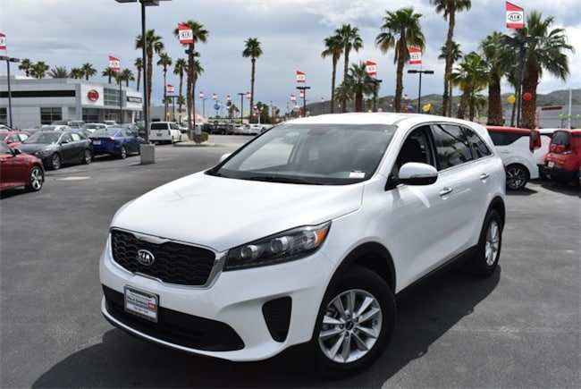 37 A Kia Sorento 2019 White Engine