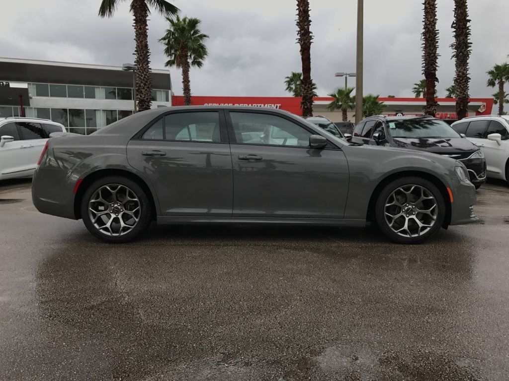 37 New 2020 Chrysler 300 Srt 8 Redesign And Concept